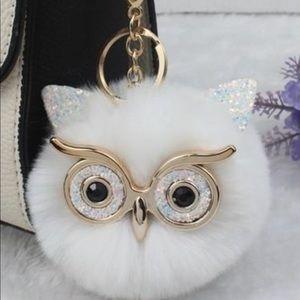 🆕Nib super cute owl Pom Pom keychain
